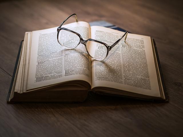 Top 4 Warren Buffett Buch Empfehlungen – Diese Bücher musst du lesen!